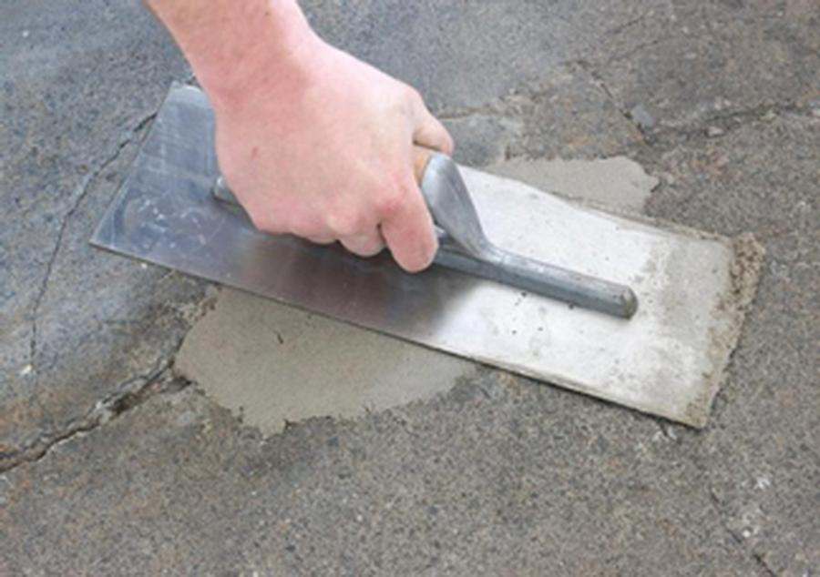 Concrete Patching with Kaufman's Duracrete 2